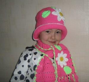 шапочка и шарф крючком для девочки
