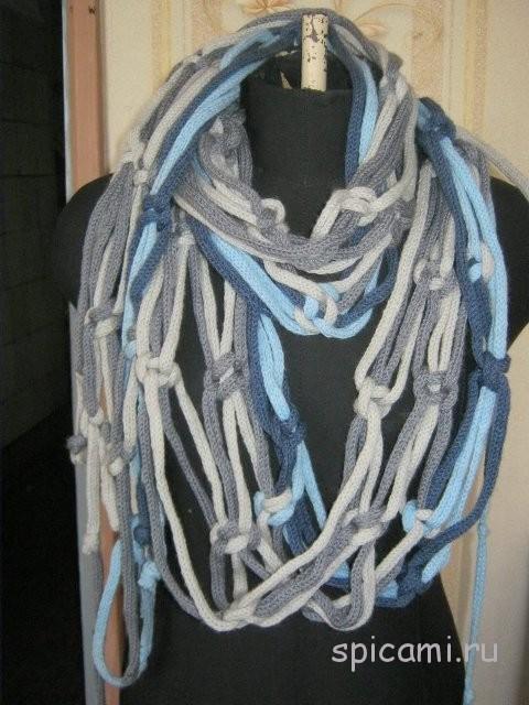 Авторский шарф из полосок-трубочек