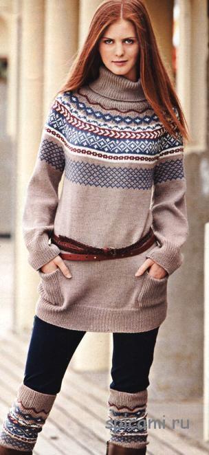 Удлиненный пуловер с кокеткой и гетры