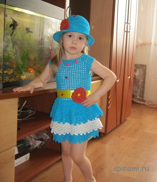 Вязаный сарафан и шляпка для девочки