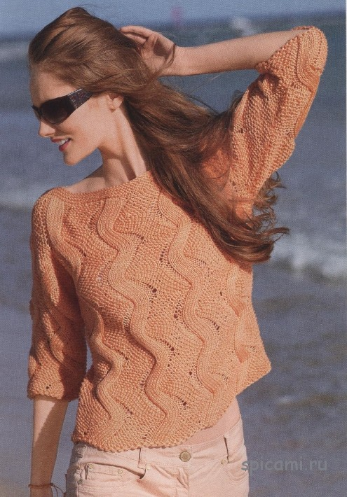 Оранжевый пуловер с зигзагами