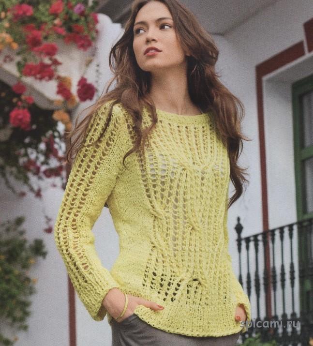 Жёлтый пуловер из ажурного узора с косами