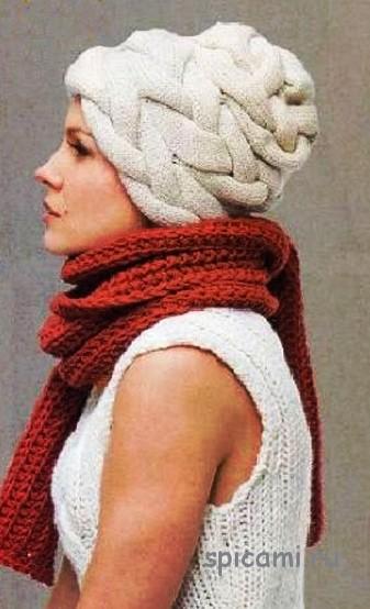 Вязаная шапка из кос