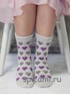 вязаные носки с сердечками