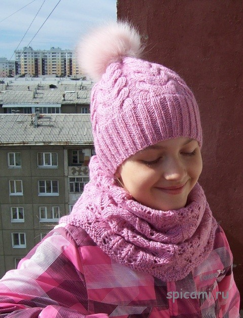 Вязаная шапочка и снуд для девочки