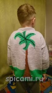 пуловер для мальчика с рисунком