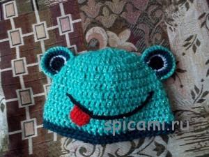 вязаная шапочка лягушка
