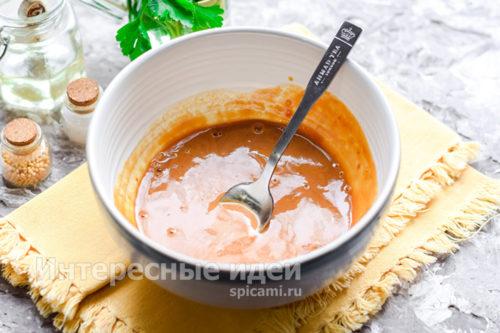 перемешать компоненты соуса