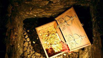 Куда прятали клады в старых домах в деревне