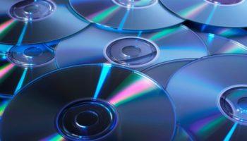 Интересные идеи поделок из дисков для декора дома и дачи