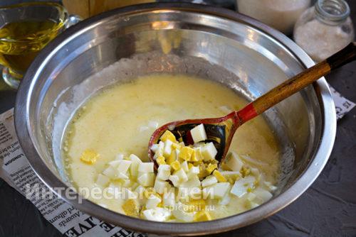 добавить вареное яйцо