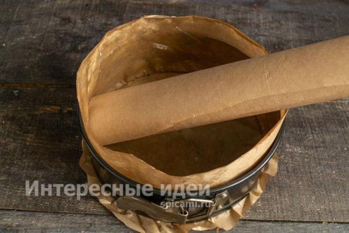 форму застелить пергаментом