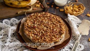 Торт из печенья без выпечки со сметаной и бананами