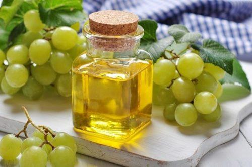 по ссылке https://alsaha.com.ua/shop/40/desc/naturalnoe-maslo-vinogradnykh-kostochek-30-ml